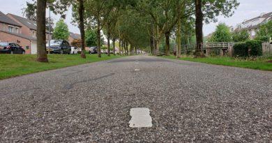De Sluisweg krijgt een nieuwe deklaag..